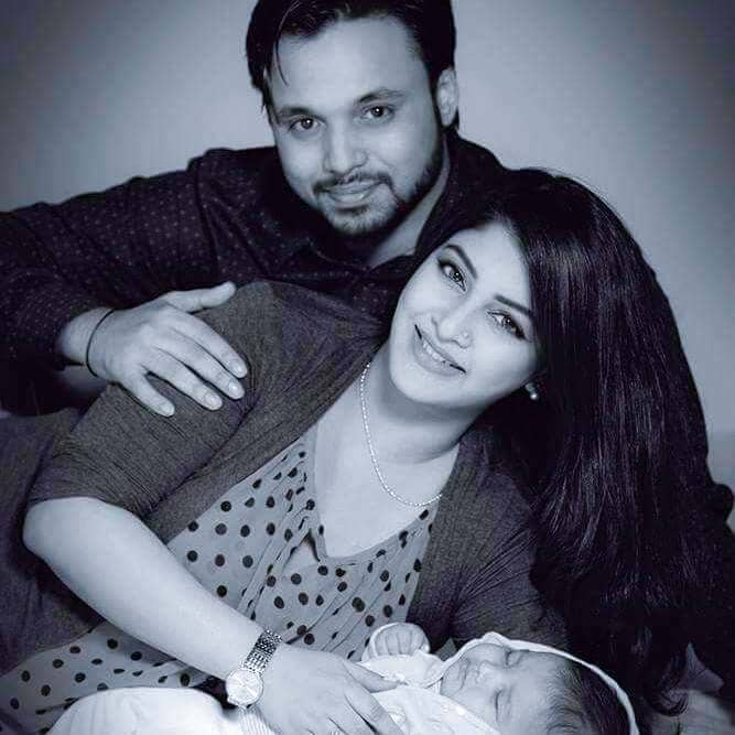 Sarika Personal Life with husband and child.
